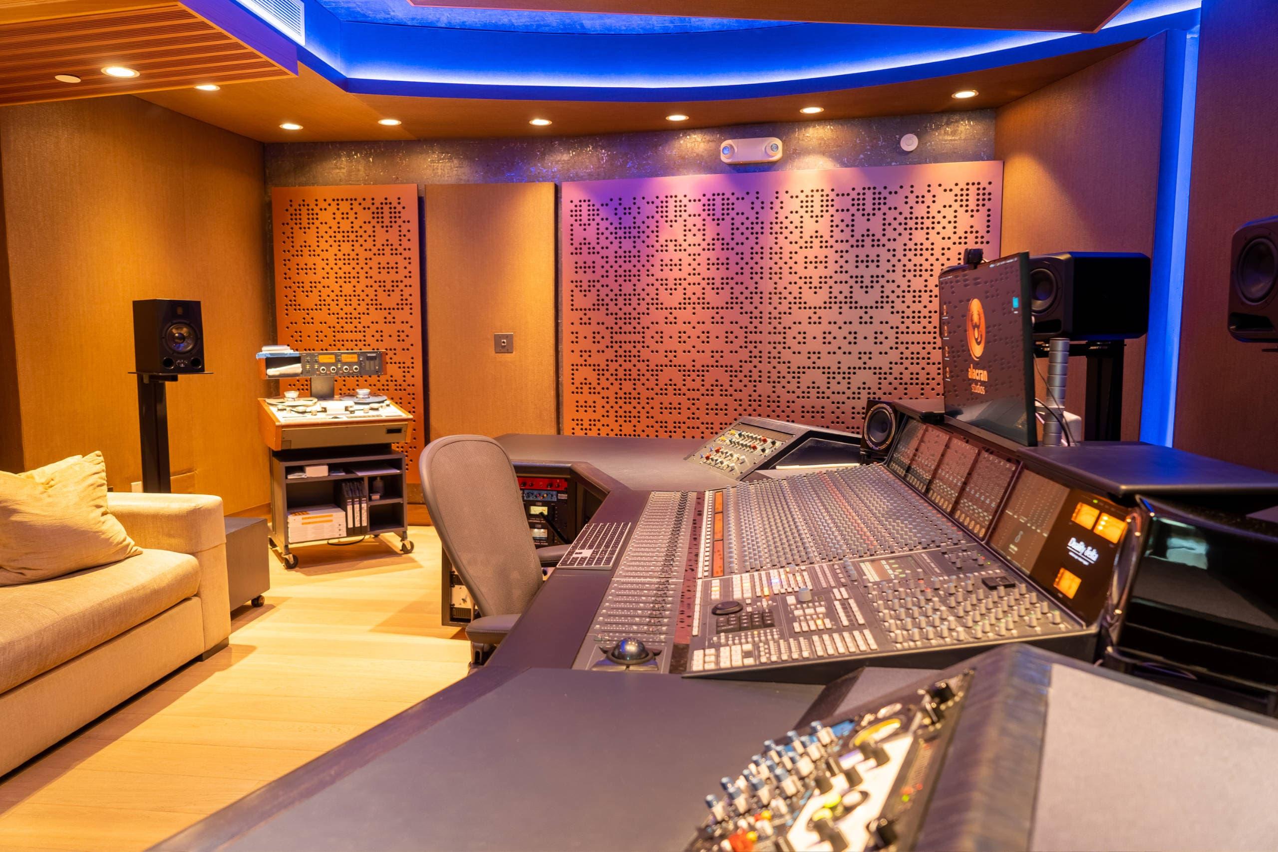 alacran-studio-02
